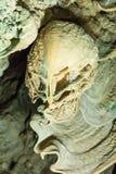 Fantastiska stalagmit i grottor, Ratchaprapa, Thailand Arkivbild