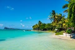 Fantastiska vita stränder av den Mauritius ön tropisk semester royaltyfri foto
