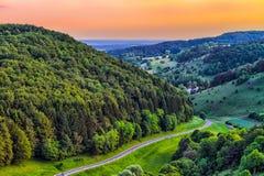 Fantastiskt Franconian vårlandskap fotografering för bildbyråer