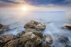 Fantastiskt ljus solnedgång Fotografering för Bildbyråer