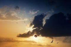 Fantastiskt mystiskt naturligt fenomen - sammanlagd sol- förmörkelse Arkivfoton