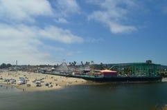 Fantastiskt nöjesfält på stranden av Santa Cruz Juli 2, 2017 Loppet semestrar fritid Arkivbilder