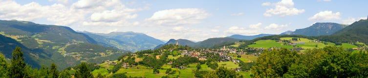 Fantastiskt panorama- landskap royaltyfri bild