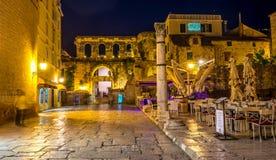Fantastiskt ställe i den gamla staden i splittring, Kroatien royaltyfria foton