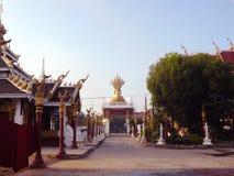 Fantastiskt underbart den stora thailändska templet Royaltyfri Bild