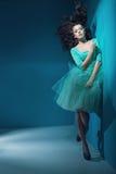 Fantastyczna kobieta z wielkim kędzierzawym włosy Obrazy Royalty Free