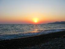 Fantastycznego dennego oceanu zmierzchu horyzontu nieba pomarańczowa fotografia Fotografia Stock