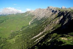 Fantastycznej dolomit góry krajobrazowy i wielki widok wyróżniający sassolungo Zdjęcie Stock