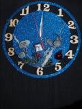 Fantazja zegarek Strzała przedstawienie wokoło dwanaście godzin nowy rok wkrótce Zdjęcia Royalty Free