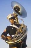 Fante di marina del African-American con il Tuba Fotografie Stock