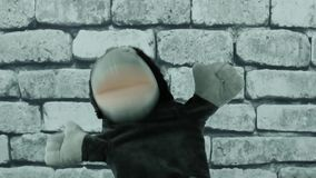 Fantoche amigável da boneca do macaco vídeos de arquivo