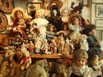Fantoches de uma montra no centro de Berna imagens de stock royalty free