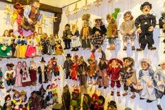 Fantoches tradicionais feitos da madeira Loja em Praga Imagem de Stock Royalty Free