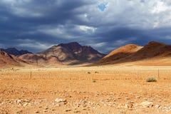 fantrastic纳米比亚moonscape风景全景  免版税图库摄影