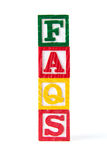 FAQ - Alphabet-Baby-Blöcke auf Weiß lizenzfreies stockbild