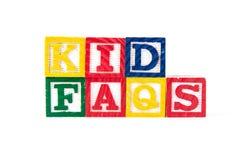 FAQ del niño - bloques del bebé del alfabeto en blanco Imagen de archivo