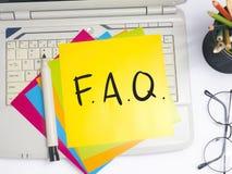 FAQ, Dobrowolnie Pytać pytanie Słowo typografii pojęcie zdjęcia royalty free