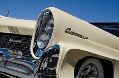 Faróis de um temporizador velho de Lincoln Continental Imagens de Stock Royalty Free