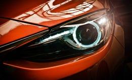 Faróis do carro Detalhe exterior Conceito do luxo do carro fotografia de stock