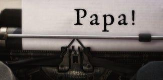Far som är skriftlig på papper Arkivbild