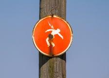 Fara av det röda tecknet för dödande med elektrisk ström Arkivbilder