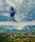 Fara i bergen royaltyfri bild