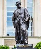 Faraday-Monument im Wirsing-Platz in London (hdr) lizenzfreie stockfotos