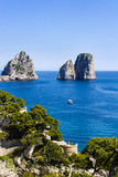 Faraglioni在卡普里岛海岛-意大利 库存照片