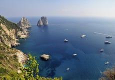Faraglioni岩石, Capri,意大利 库存照片