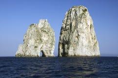Faraglioni di Capri Stockfotos