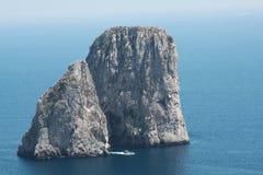 Faraglioni ein Capri Stockbilder
