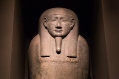 Faraostaty inom den nya Carlsbergen Glyptotek i Köpenhamn Arkivfoto