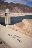 Faratecken på dammsugarefördämningen Royaltyfri Bild