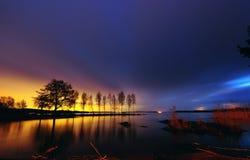 Faraway da cidade de Éstocolmo, céu colorido Fotografia de Stock
