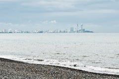 Faraway nadmorski widok Batumi w ponurej dżdżystej pogodzie, Gruzja Obrazy Royalty Free
