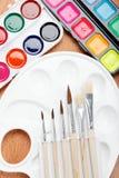 Farba paleta i brushe. Fotografia Royalty Free