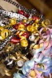 Farbband für Geschenkverpackung lizenzfreie stockfotos