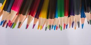 Farbbleistifte von verschiedenen Farben Stockfotografie
