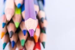 Farbbleistifte von verschiedenen Farben Stockbild