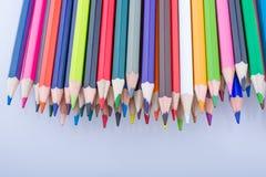Farbbleistifte von verschiedenen Farben Stockbilder