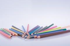 Farbbleistifte von verschiedenen Farben Lizenzfreie Stockfotografie