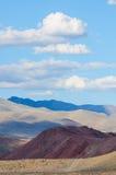 Farbboden von Quecksilberablagerungen in Altai Stockfoto