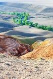 Farbboden von Quecksilberablagerungen in Altai Lizenzfreies Stockfoto