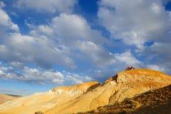 Farbboden von Quecksilberablagerungen in Altai Lizenzfreies Stockbild