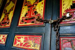 Farbe der alten Holztür stockbilder