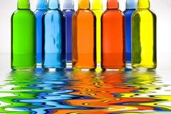 Farbe gefüllte Flaschen stock abbildung