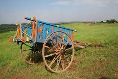 Farbe verzierte landwirtschaftlichen Ochsewagen Stockfotografie