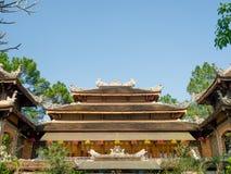 Farbe, Vietnam - 13. September 2017: Schöner alter Tempel mit dem abeautiful blauen Himmel, gelegen in der Farbe, Vietnam Lizenzfreie Stockbilder