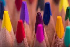 Farbe zeichnet Hintergrund an schließen Sie oben von der Bleistiftfarbe Lizenzfreie Stockfotografie