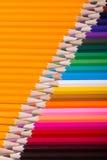 Farbe zeichnet Hintergrund an schließen Sie oben von der Bleistiftfarbe Lizenzfreie Stockfotos